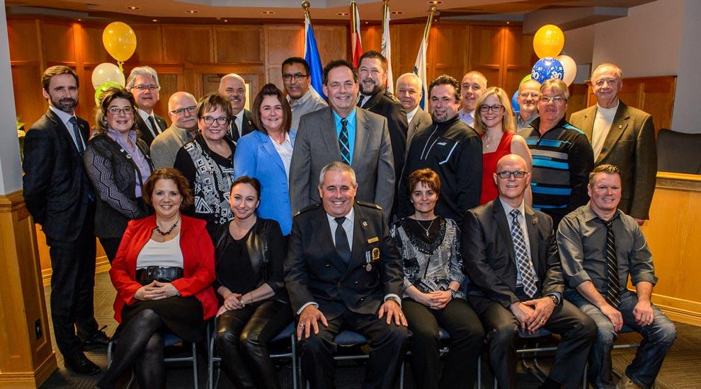 Ville de saint-Eustache - Les employés diplômés et ceux ayant cumulé 25 et 30 années de service sont honorés à Saint-Eustache